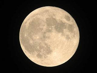月の写真.jpg