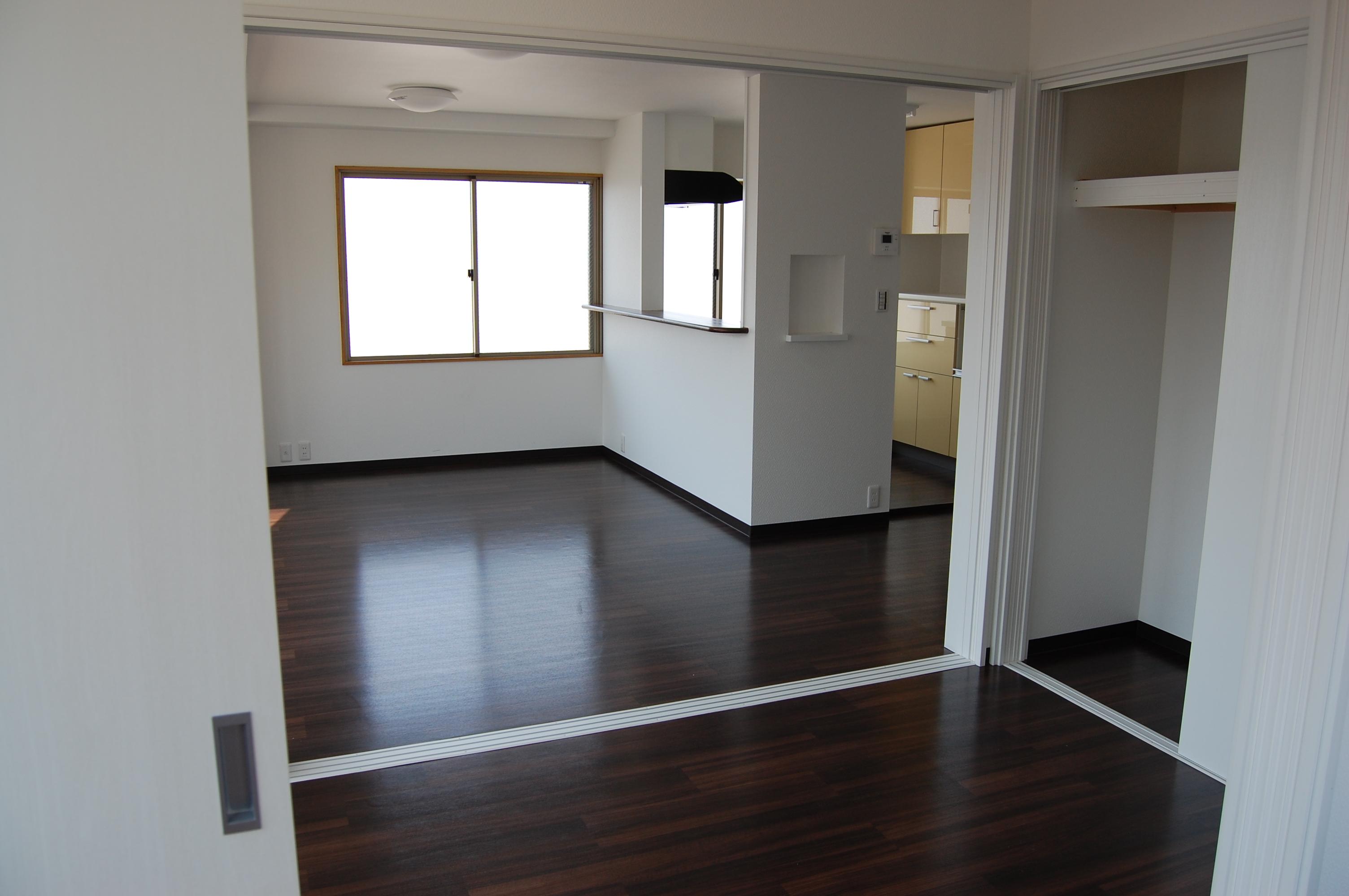 事務所ビルの内装を一新!快適な住居へ生まれ変わりました